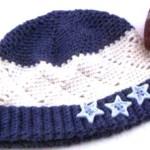 Вязаная шапочка для малыша с ромбами