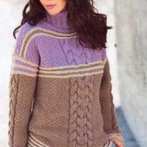 вязаный женский свитер с косами