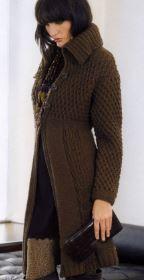 Удлиненный жакет коричневого цвета