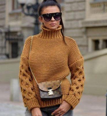 свитер с узором соты