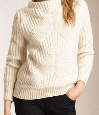 свитер с диагональным узором спицами