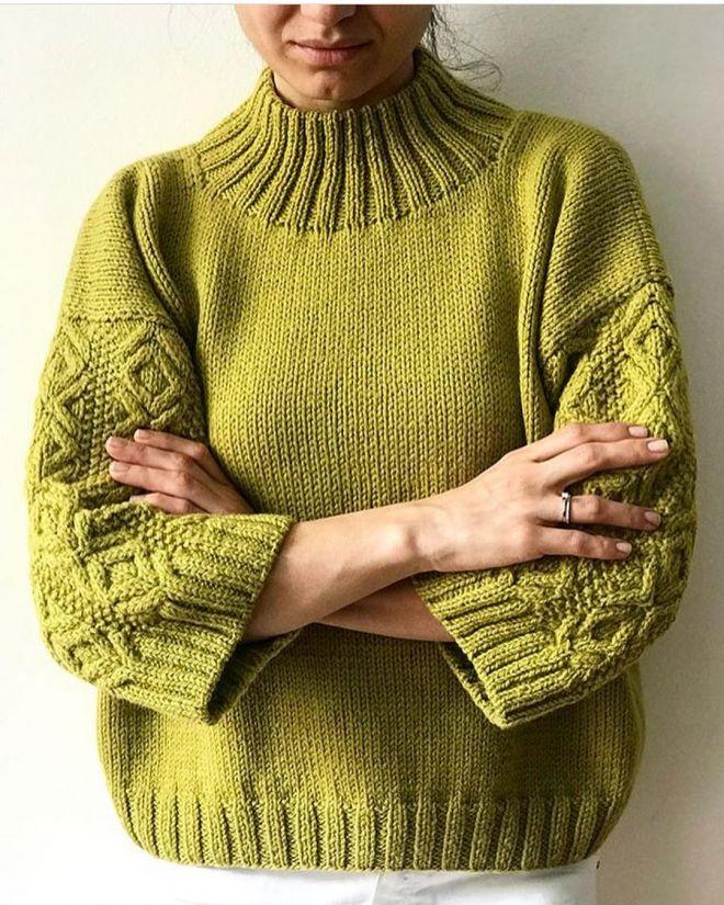 Вязание свитеров спицами для женщин на осень