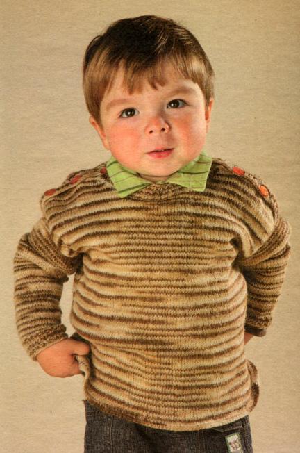 Этот вязаный спицами свитер