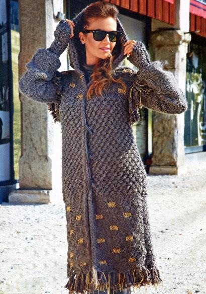 Вязание спицами: Длинное вязаное пальто