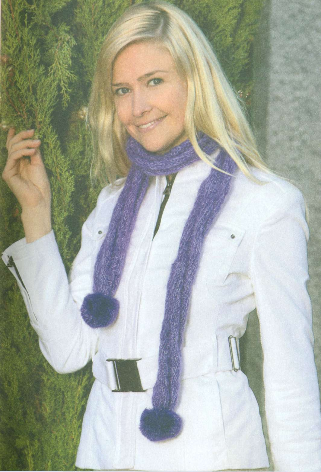 Длинный, лёгкий, воздушный вязаный шарф спицами