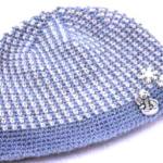 Синяя вязаная шапочка для мальчика