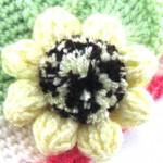 Вязаные цветы на шапку:  вязание Цинии и Подсолнуха