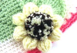 вязаные цветы на шапку 1
