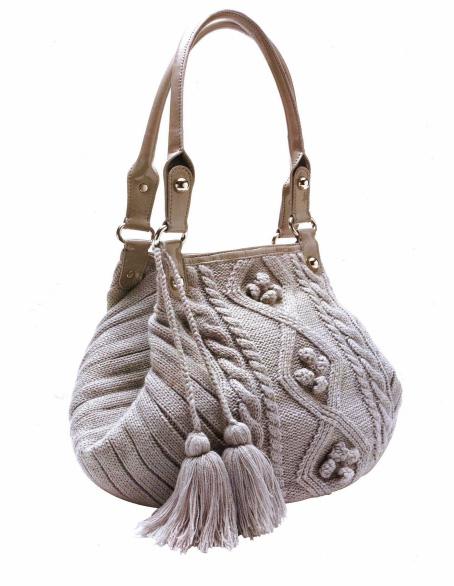 красивая вязаная сумка спицами