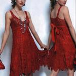Красное вязаное платье — 5 идей для вязания спицами и крючком