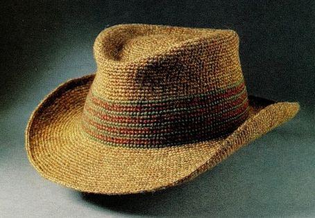 Вязаная крючком мужская шляпа