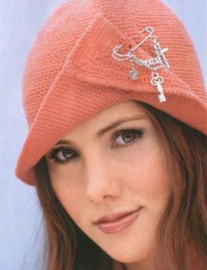 вязание крючком шапки женские
