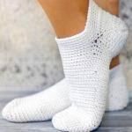 Вязание крючком для начинающих: носки простой вязки