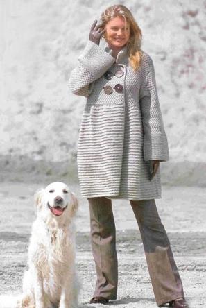 белое пальто вязаное спицами