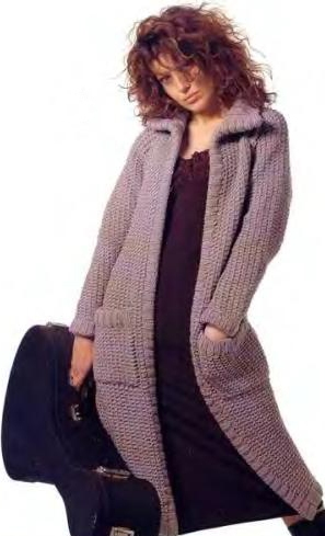 пальто с капюшоном вязаное