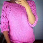Розовая кофта с ажурными рукавами