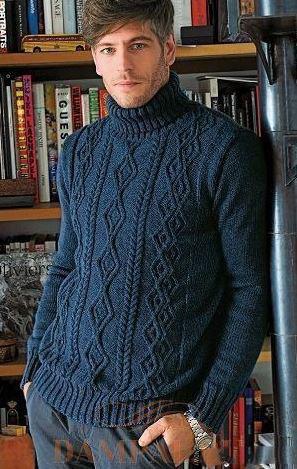 Вязаный мужской свитер косами