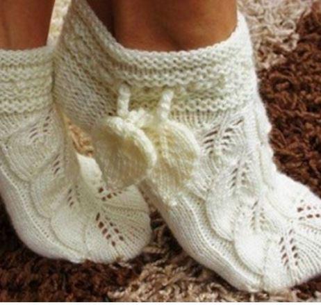 Вязаные красивые носки спицами с описанием