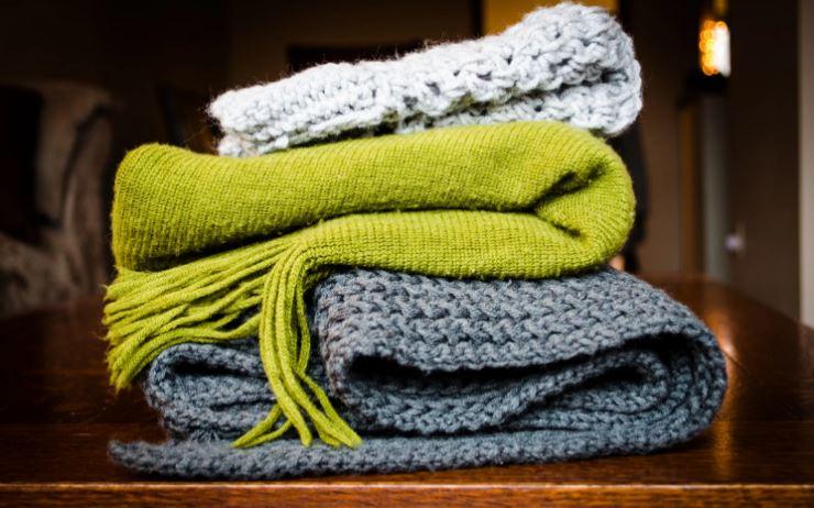 Как связать шарф спицами и крючком, схемы, узоры