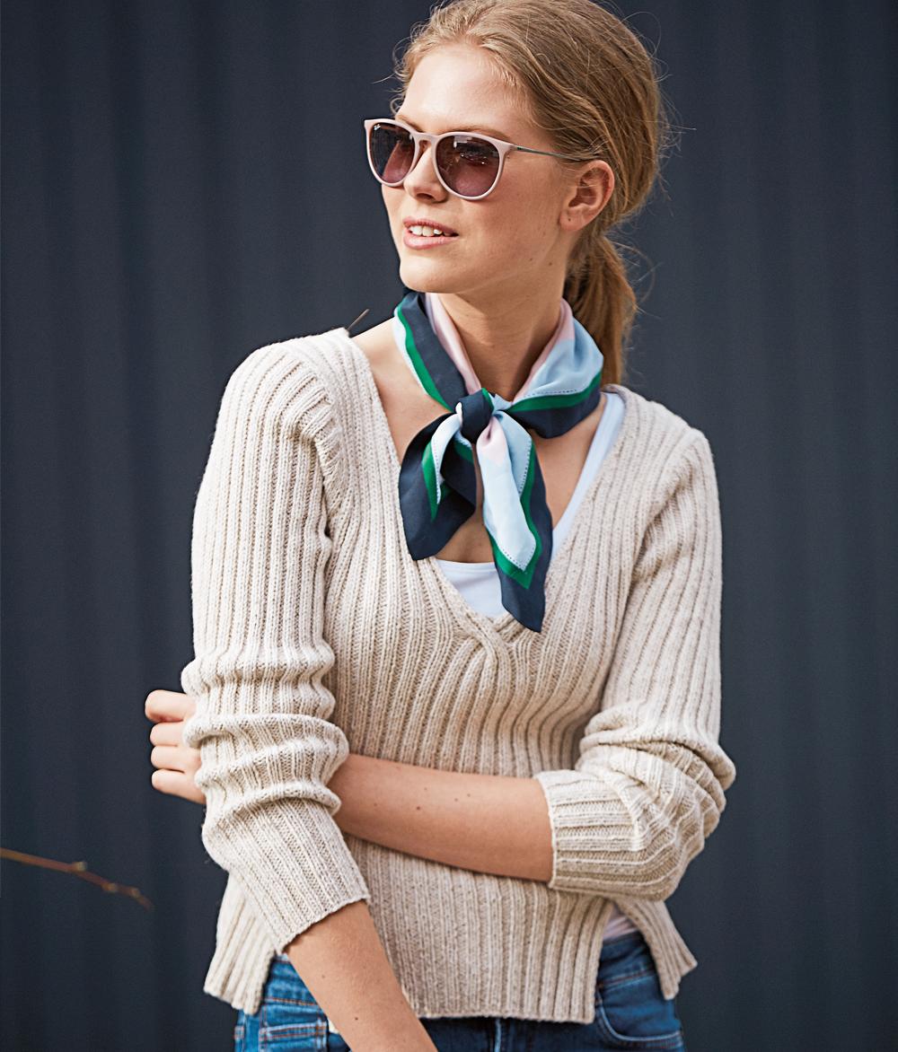 вязание женского пуловера с V-образным вырезом