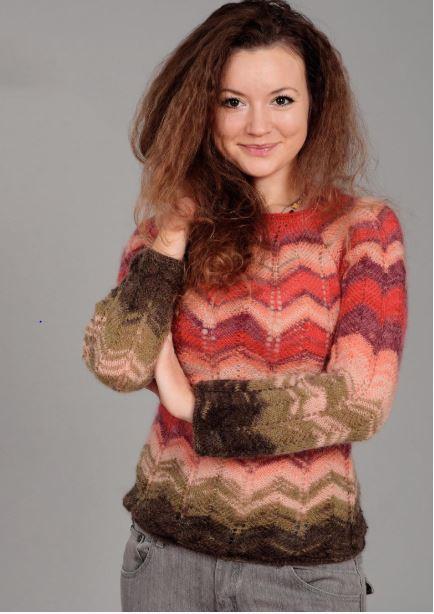 пуловер с зигзагообразным узором спицами